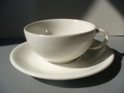 Weißporzellan Tasse und Tellerchen Maxwell Williams